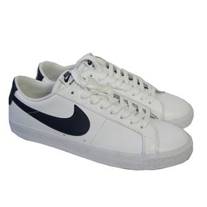 Nike SB Blazer Low Top Sneakers